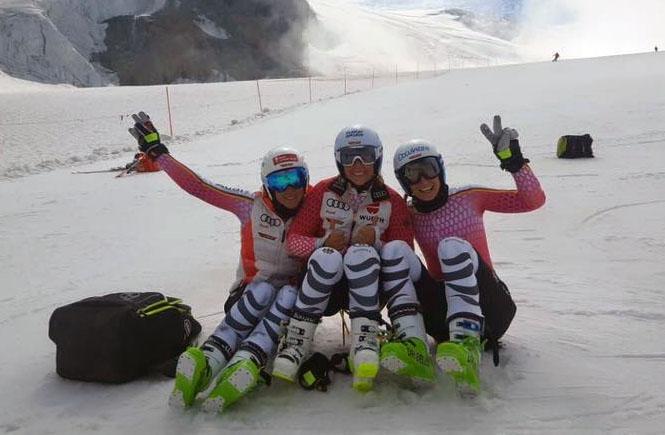 Marlen Wiesler, Veronique Hronek und Lena Dürr (Foto: Veronique Hronek / Facebook)