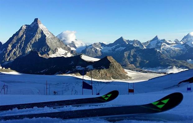 © Manfred Mölgg / Italienisches Herren-Technik-Team am Ende des Monats in Zermatt