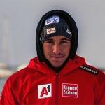 Österreicher Patrick Feurstein rast mit Nummer 1 beim EC-Riesentorlauf von Méribel auf Platz 1