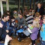 ÖSV-Skistars zu Besuch an der Kinderklinik