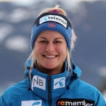 Kristina Riis-Johannessen siegt beim EC-Super-G in Châtel