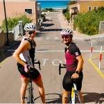 Nicht nur Christina Ager und Sabrina Maier traten auf der Mittelmeerinsel Sardinien ordentlich in die Pedale
