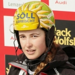 Christina Ager gewinnt Europacup Abfahrt in Saalbach
