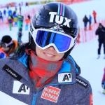 Stephanie Brunner freut sich über Europacup-Riesenslalom Sieg in Borowez