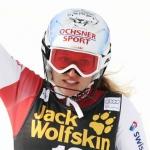 Denise Feierabend zwischen Skiteppich und Schneetraining
