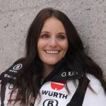 Rücktritt beim DSV: Christina Ackermann (Tina Geiger) stellt die Skier in den Keller