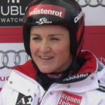 Elisabeth Görgl führt nach der Abfahrt in der WM Superkombination