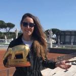 Silbermädel Sofia Goggia erhält den goldenen Tapir