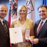 """Niki Hosp mit dem """"Goldenen Ehrenzeichen für Verdienste um die Republik Österreich"""" geehrt"""