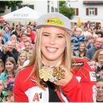 Großer Empfang und goldenes Ehrenzeichen für Katharina Liensberger