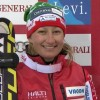 Finnin Tanja Poutiainen führt nach dem 1. Slalom Durchgang in ihrem Wohnzimmer in Levi