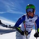 Hanna Schnarf macht ihre ersten Versuche auf Schnee
