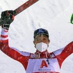 Marco Schwarz behält trotz Schneegestöber beim Slalomsieg in Schladming den Überblick