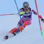 Resi Stiegler steigt beim EC-Slalom in Andalo aufs höchste Treppchen