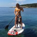 Ilka Stuhec tauscht den Badeanzug mit den Skiern