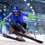 Petra Vlhová packt in der Ski-Halle von Druskininkai die Slalom-Bretter aus